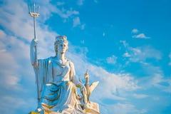 Άγαλμα Britannia και ένα πουλί συκωτιού πάνω από το γκαλερί τέχνης περιπατητών στοκ εικόνα
