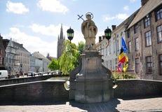 Άγαλμα Αγίου John Nepomuk στη γέφυρα Nepomucenus στη Μπρυζ Στοκ φωτογραφία με δικαίωμα ελεύθερης χρήσης