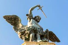 Άγαλμα Αγίου Michael στην κορυφή Castel Sant ` Angelo στη Ρώμη Στοκ Εικόνες