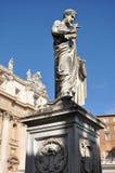 Άγαλμα Αγίου Peter στην πλατεία SAN Pietro, Βατικανό Στοκ Εικόνα
