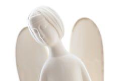 Άγαλμα αγγέλου αργίλου που απομονώνεται στο λευκό Στοκ φωτογραφία με δικαίωμα ελεύθερης χρήσης
