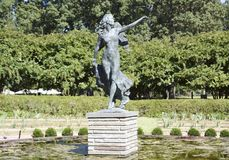 Άγαλμα αγγέλου που περιβάλλεται από το νερό Lillie Στοκ Εικόνα