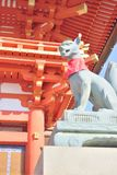 Άγαλμα αλεπούδων στη λάρνακα Fushimi Inari στο Κιότο Στοκ φωτογραφίες με δικαίωμα ελεύθερης χρήσης