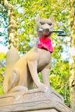 Άγαλμα αλεπούδων στη λάρνακα Fushimi Inari στο Κιότο Στοκ Εικόνες