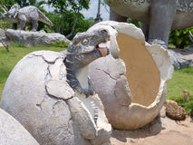 Άγαλμα δεινοσαύρων στο θεματικό πάρκο Στοκ Εικόνα