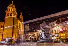 Άγαλμα ειρήνης Paz η κυρία μας Abstract Night Guanajuato Μεξικό Στοκ Εικόνες