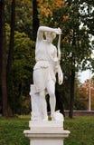 άγαλμα ενός Αμαζονίου, ο κατώτατος ολλανδικός κήπος στο πάρκο Γκάτσινα Ρωσία παλατιών Στοκ φωτογραφία με δικαίωμα ελεύθερης χρήσης