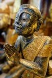 Άγαλμα ενός καθισμένου βουδιστικού μοναχού Στοκ φωτογραφίες με δικαίωμα ελεύθερης χρήσης