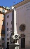 Άγαλμα ελεφάντων και αιγυπτιακός οβελίσκος, Ρώμη Ιταλία Στοκ εικόνα με δικαίωμα ελεύθερης χρήσης