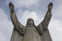Άγαλμα Ιησούς Χριστός με τα αυξημένα όπλα Στοκ Εικόνα