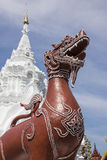Άγαλμα λιονταριών αγαλμάτων του Leo στον ταϊλανδικό ναό στο wat Prathat Hariphunc Στοκ Εικόνα