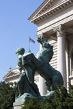 Άγαλμα μπροστά από την εθνική συνέλευση της Σερβίας, Βελιγράδι Στοκ Εικόνες