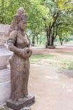 Άγαλμα πετρών γυναικών του ναού Khao Sok στην Ταϊλάνδη Στοκ Εικόνα