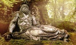 Άγαλμα Ποσειδώνα στους κήπους Bomarzo - ταξίδι του Λάτσιο - της Ιταλίας Στοκ φωτογραφία με δικαίωμα ελεύθερης χρήσης