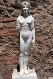 Άγαλμα που αντιπροσωπεύει Iside στη archeological περιοχή της Πομπηίας Στοκ εικόνες με δικαίωμα ελεύθερης χρήσης