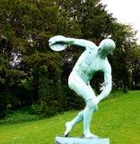 Άγαλμα που ρίχνει το δίσκο Στοκ Εικόνες