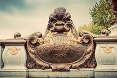 Άγαλμα σε Pont Alexandre ΙΙΙ γέφυρα στο Παρίσι, Γαλλία eiffel river seine tower στοκ φωτογραφία με δικαίωμα ελεύθερης χρήσης