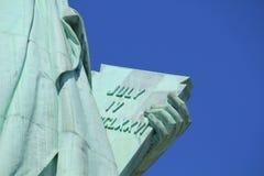 Άγαλμα στενού επάνω ταμπλετών ελευθερίας Στοκ εικόνα με δικαίωμα ελεύθερης χρήσης