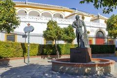 Άγαλμα ταυρομάχου Curro Romero στη Σεβίλη Στοκ Φωτογραφία