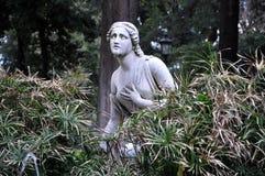 Άγαλμα της γυναίκας στους κήπους Borghese βιλών στοκ εικόνες με δικαίωμα ελεύθερης χρήσης
