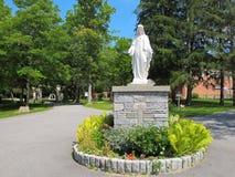 Άγαλμα της φοβησμένης καρδιάς του Ιησού Στοκ εικόνες με δικαίωμα ελεύθερης χρήσης