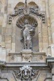 Άγαλμα τοίχων πυλών προαυλίων του Castle στο βασιλικό παλάτι της Βουδαπέστης Στοκ Φωτογραφίες