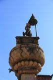 Άγαλμα του βασιλιά Bhupatindra Malla στην πλατεία Bhaktapur Durbar Στοκ Φωτογραφία