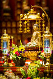 Άγαλμα του Βούδα μέσα στο ναό και το μουσείο λειψάνων δοντιών του Βούδα Στοκ Εικόνες