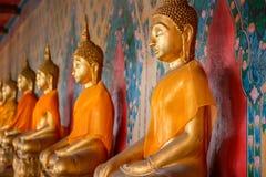 Άγαλμα του Βούδα σε Wat Arun - ο ναός της Dawn στη Μπανγκόκ Στοκ Εικόνες
