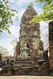 Άγαλμα του Βούδα στον ταϊλανδικό αρχαίο ναό Στοκ Φωτογραφίες