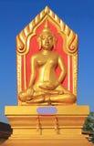 Άγαλμα του Βούδα στο σπρώξιμο wat που κάθεται Στοκ Φωτογραφίες