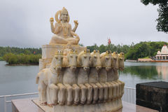 Άγαλμα του Θεού του ήλιου στη λίμνη μεγάλο Bassin Μαυρίκιος Στοκ φωτογραφία με δικαίωμα ελεύθερης χρήσης