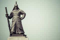 Άγαλμα του ναυάρχου Yi Sunsin στο plaza Gwanghwamun στη Σεούλ, νότος Στοκ Εικόνες