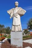Άγαλμα του πρώην επισκόπου του Πόρτο, DOM Antonio Ferreira Gomes Στοκ Φωτογραφίες