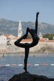 Άγαλμα του χορεύοντας κοριτσιού, Budva Στοκ Εικόνες