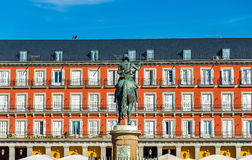 Άγαλμα του Philip ΙΙΙ στο δήμαρχο Plaza στη Μαδρίτη, Ισπανία Στοκ Εικόνες