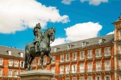 Άγαλμα του Philip ΙΙΙ στο plaza δημάρχου στο κέντρο της Μαδρίτης Spai Στοκ Εικόνες