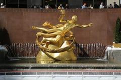 Άγαλμα του PROMETHEUS στο χαμηλότερο Plaza του κέντρου Rockefeller στο της περιφέρειας του κέντρου Μανχάταν Στοκ Εικόνα