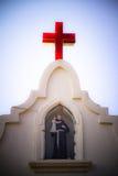 Άγαλμα του ST Anthony επάνω από το ST, εκκλησία του Anthony σε Anjuna, Goa, Στοκ φωτογραφία με δικαίωμα ελεύθερης χρήσης
