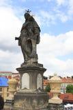Άγαλμα του ST Anthony της Πάδοβας. Γέφυρα του Charles στην Πράγα. Στοκ φωτογραφία με δικαίωμα ελεύθερης χρήσης
