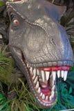 Άγαλμα τ-Rex στο ιουρασικό πάρκο Στοκ εικόνα με δικαίωμα ελεύθερης χρήσης