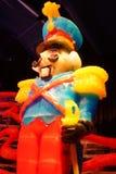 Άγαλμα χαρακτήρα καρυοθραύστης που γίνεται από τον πάγο Στοκ Εικόνες