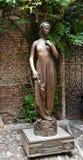 Άγαλμα χαλκού της Juliet στη Βερόνα, Ιταλία Στοκ Φωτογραφίες