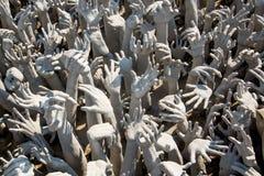Άγαλμα χεριών από την κόλαση σε Wat Rong Khun Στοκ φωτογραφία με δικαίωμα ελεύθερης χρήσης