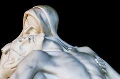 Άγαλμα Χριστού με το madonna (οίκτος) στοκ εικόνες