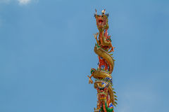 Άγαλμα δύο δράκων πύργοι Στοκ Εικόνες