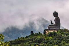 Άγαλμα Budhha στην κορυφή του λόφου Στοκ εικόνα με δικαίωμα ελεύθερης χρήσης