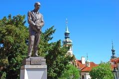Άγαλμα Edvard Benes μπροστά από την έδρα του τσεχικού Υπουργείου Εξωτερικών Στοκ Εικόνες
