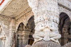 Άγαλμα Garuda στο ναό Στοκ Εικόνα