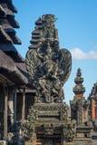 Άγαλμα Garuda στο ναό Taman Ayun, ορόσημο του νησιού του Μπαλί, IND Στοκ εικόνα με δικαίωμα ελεύθερης χρήσης